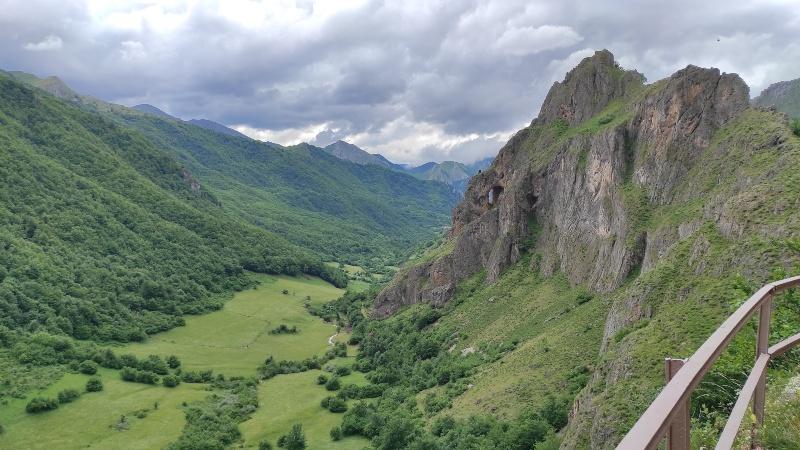 Peña Faurada en ruta de Brañas de Sousa